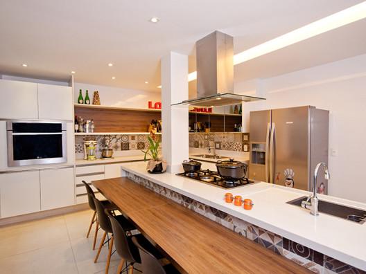 Adoro Arquitetura_Lulu Andrade_Res. Leblon_Cozinha Gourmet (1)