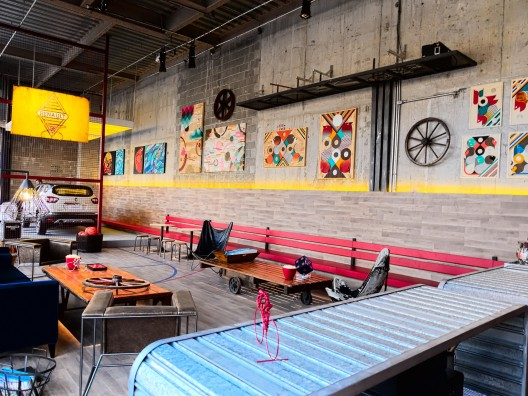 Renault Art Garage Sports Bar 16_A